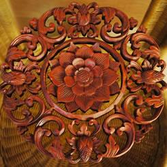 バリ製丸形木彫りのレリーフ (フラワーアイビー)