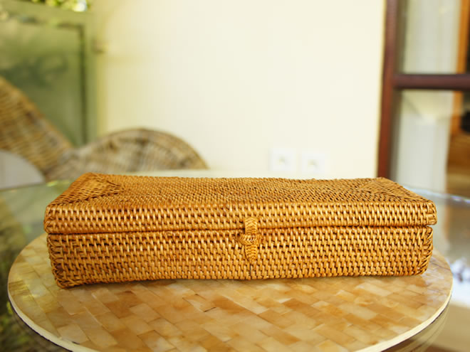 アタ製蓋付きカトラリーボックス