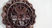 【送料無料】バリ製丸形木彫りのレリーフ(フランジパニ)
